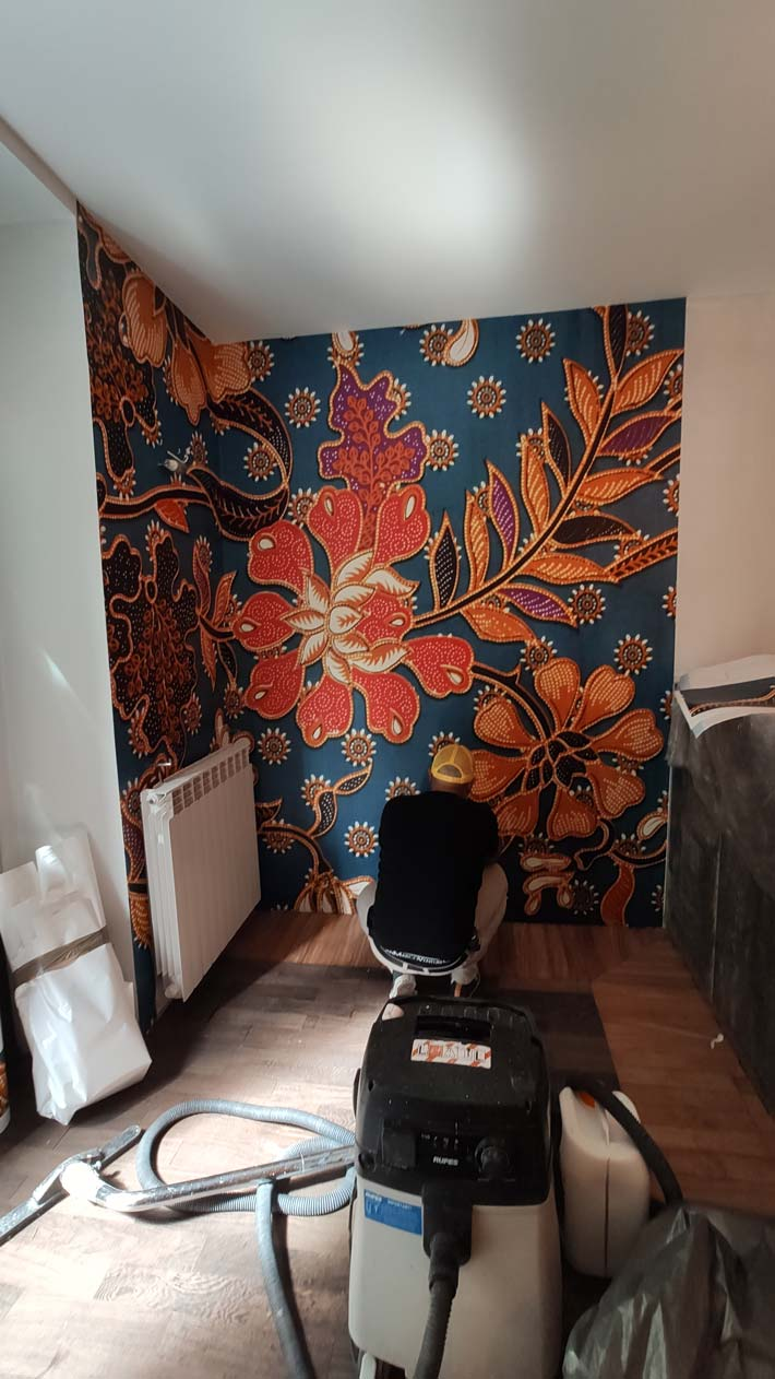 decorazione pareti ristorante indonesiano torino