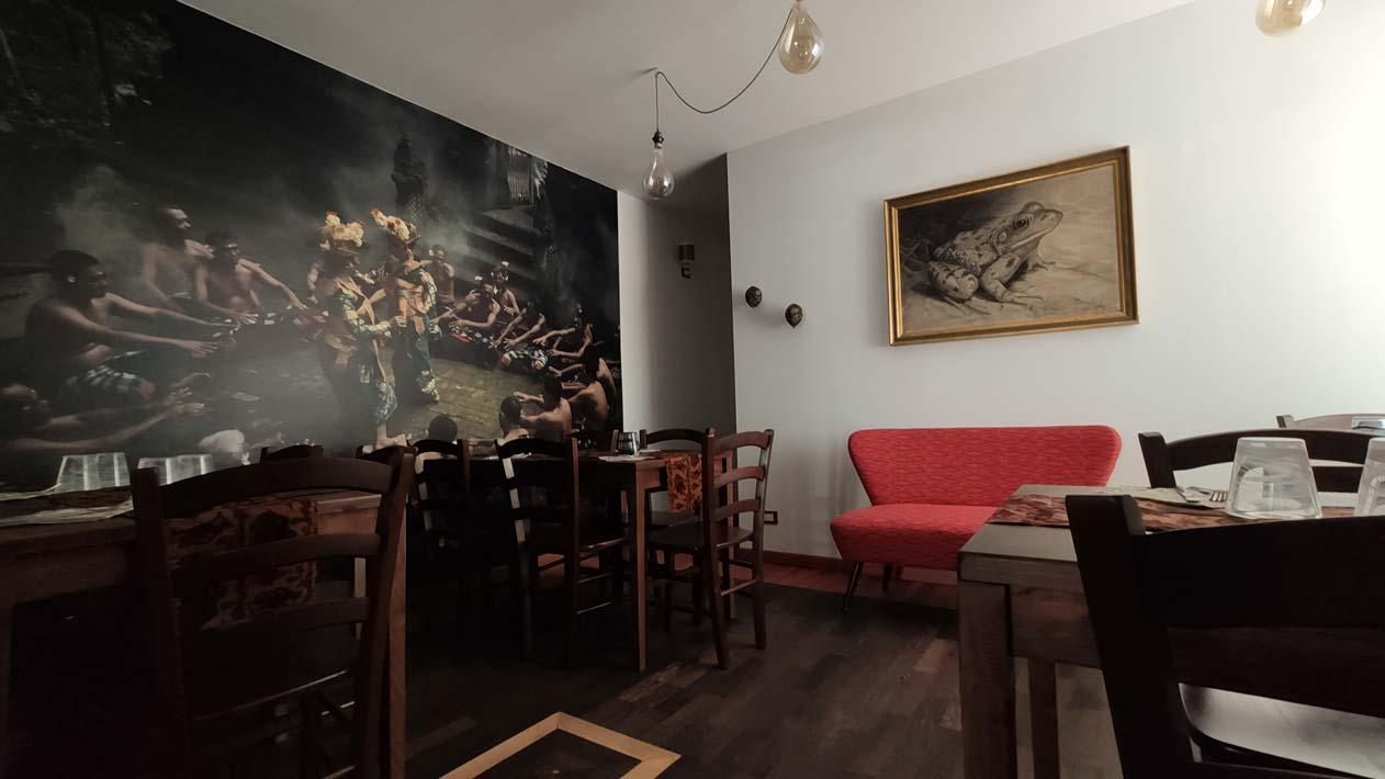 sala ristorante indonesiano a Torino